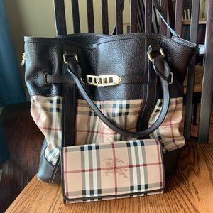 Burberry shoulder bag and wallet